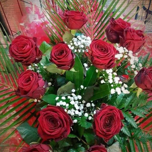 Hand Tied Bouquet of Dozen Red Roses